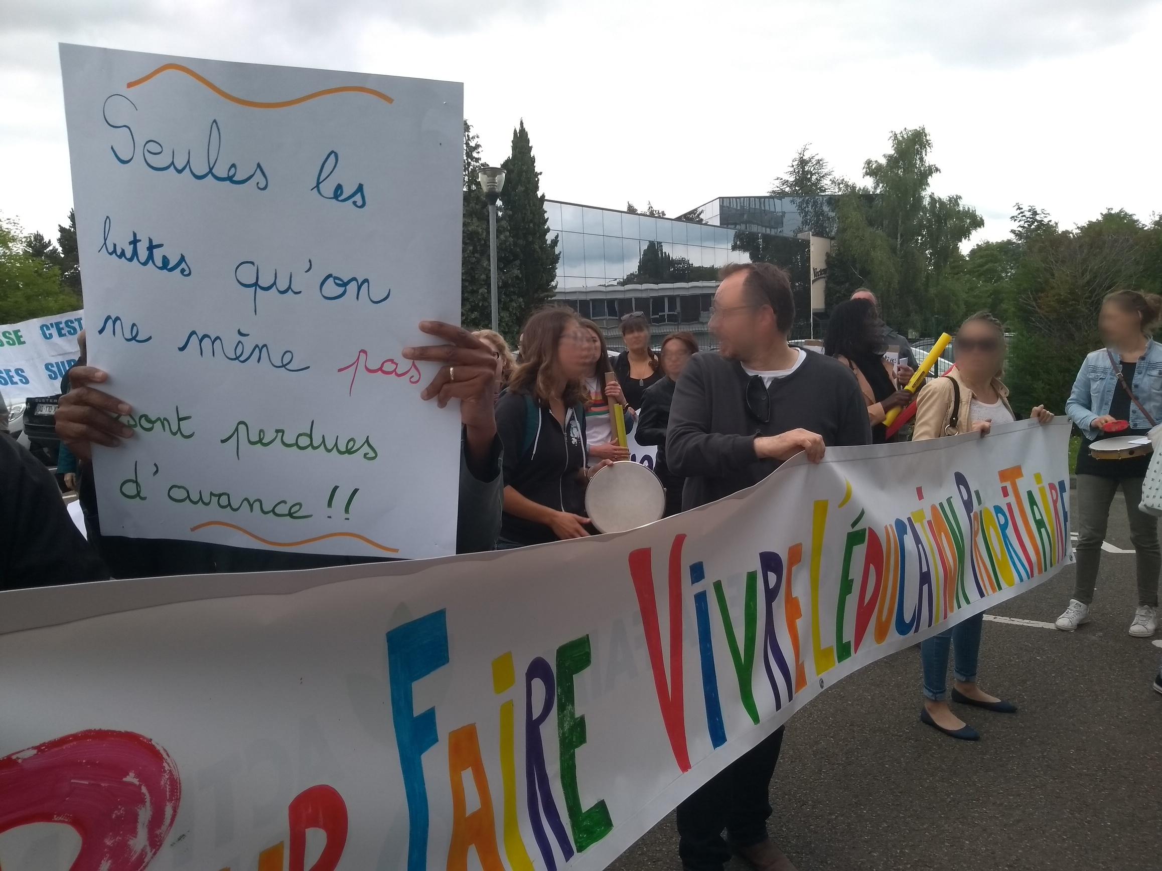 Collectif Garges-Sarcelles à la DSDEN 95: du bruit pour une audience