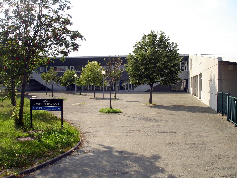 Violences policières devant le lycée Simone de Beauvoir à Garges-lès-Gonesse